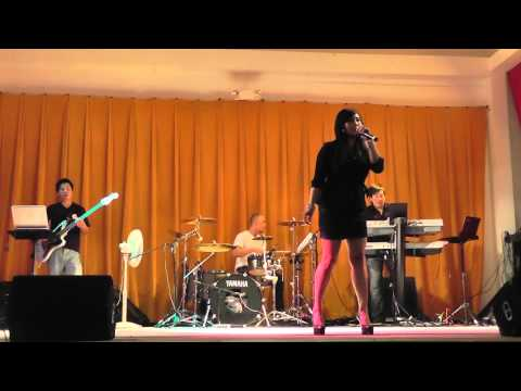 Hoang Kim   Neu Xuan Nay Vang Anh & Yeu Em Dai Lau (LIVE)