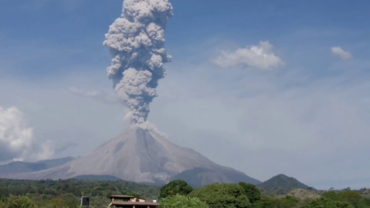 Colima Volcano Errupted Dec Mexico North America Most - Active volcanoes in mexico