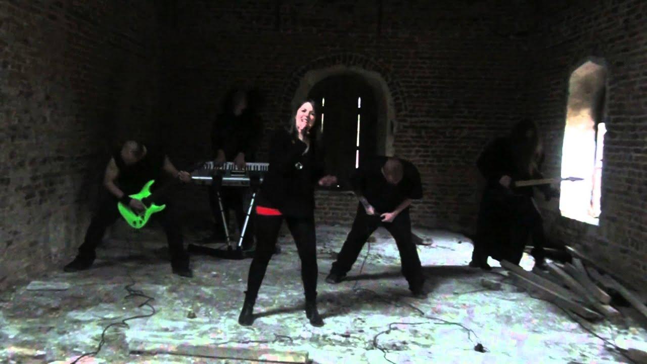 SKELT\'S - Chandelier SIA METAL cover - YouTube