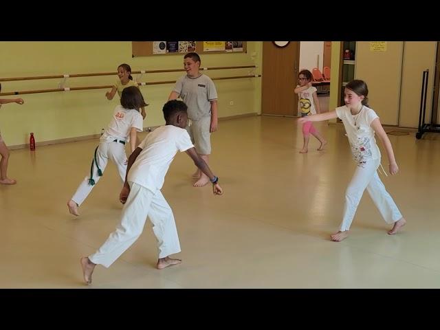 La capoeira enfants à découvrir en vidéo
