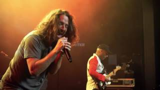 "Audioslave - ""Show Me How to Live"" - Final Performance Live at the Anti-Inaugural Ball 1/22/17 Resimi"