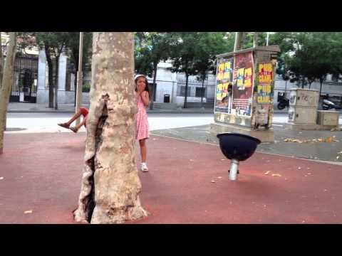 Laxmi-Dizzy spinning - Plaza Santa Barbara, Madrid