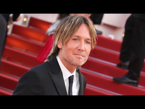 2017 CMT Awards: Keith Urban Has the Best Night Ever Adorably Thanks Wife Nicole Kidman