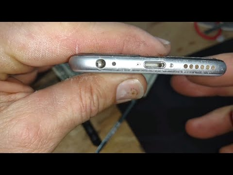 *Filthy* iPhone headphone and power jacks get sparkling clean!