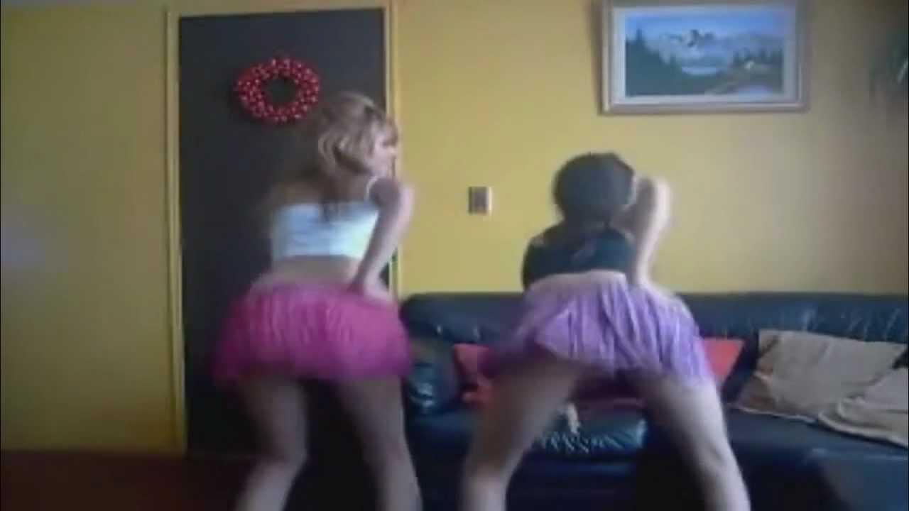Webcam chica de peru mostrando gran culo abierto - 1 part 10