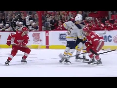 Sabres' Eichel exits game after getting clipped by Glendening