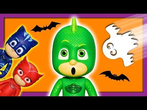 Spooky Haunted Headquarters PJ Masks Gekko Scared by Romeo Toy Parody