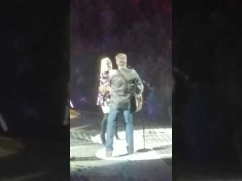 BLAKE SHELTON with GWEN STEFANI--GO AHEAD AND BREAK MY HEART LIVE--OKLAHOMA CITY OK SEPTEMBER 2016