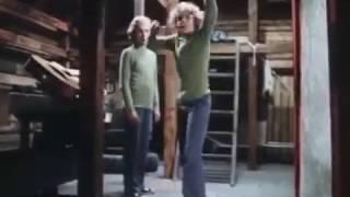 Сыроежкин и Электроник - Танцуй (Музыкальный клип)