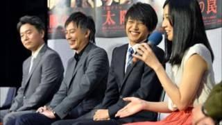 NHKの土曜ドラマ「太陽の罠」スタジオ取材会より。 紅白出場も白組だっ...