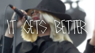 "Documentary about Sia ""It Gets Better"" (@sia_thebestsinger)"
