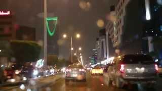 kingdom tower struck by lightning riyadh storm 16 nov 2013