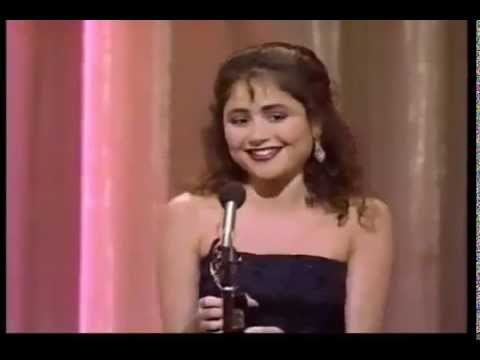 Frances Ruffelle wins 1987 Tony Award for Best Featured Actress in a Musical
