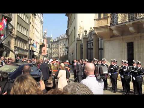 Queen Beatrix in Luxembourg: The Queen arrives