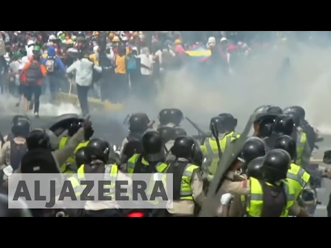 Venezuela protests intensify, more flee country as crisis deepens