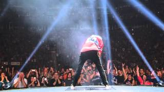 QUEEN + ADAM LAMBERT - We Will Rock You & We Are The Champion - Montreal July 14, 2014