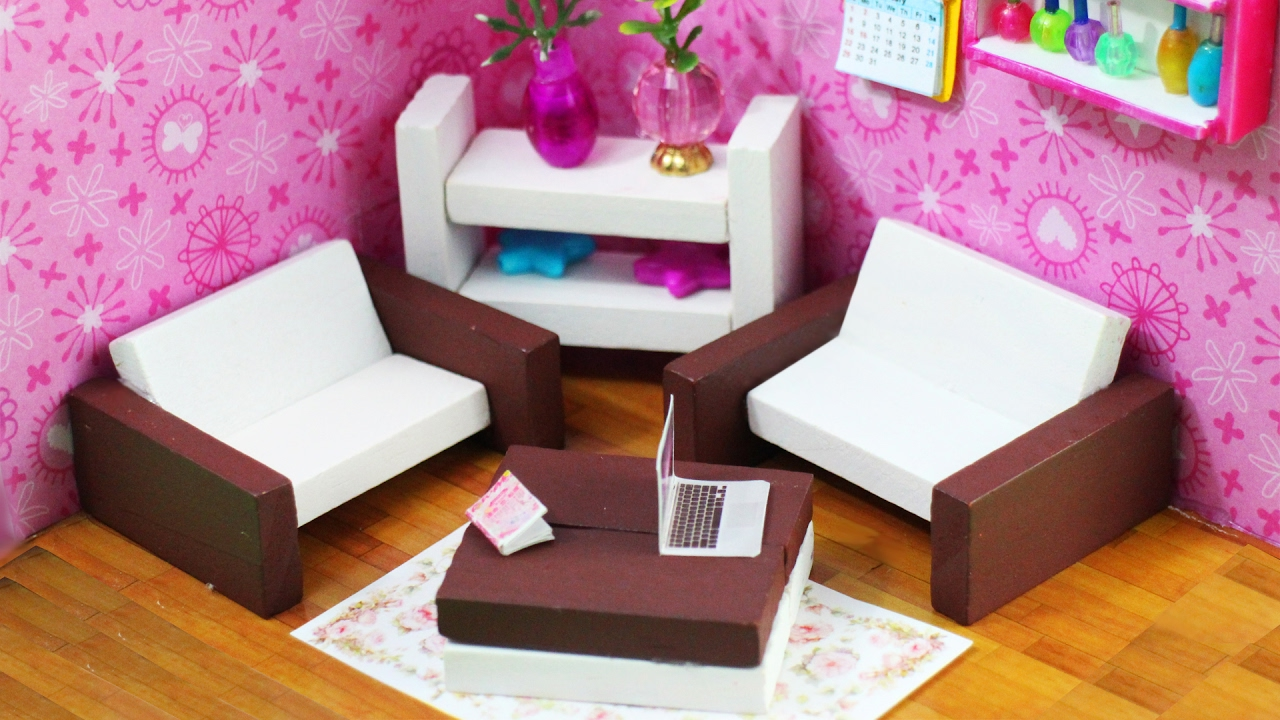 Diy muebles en miniatura para la casita de mu ecas youtube for Muebles casa de munecas