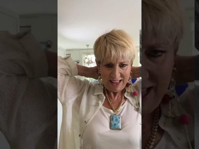 Bonnie's Fashion Buzz #208 - Cream with Turquoise Touches