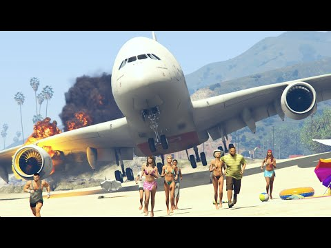 """Giant plane """"Emergency Landing"""" at beach make people frightened -- GTA 5 funny and crazy moments"""