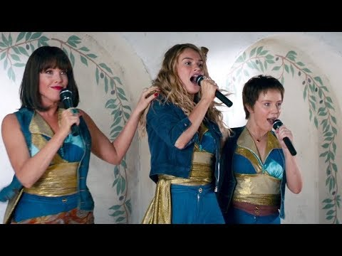 LILY JAMES Sings Mamma Mia in MAMMA MIA! 2 CLIP + Trailer