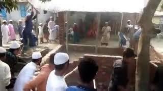 People attack on foul pir house.  ভন্ড পীর এর ভাড়ি ভাংচুর,,