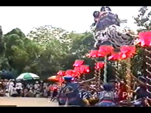 Đoàn Lân Phù Đổng - Lân lên MHT đầu tiên tại Suối Tiên 2002.mpg