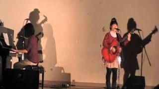 クリスマスライブ2曲目。いきものがかりの「ハジマリノウタ」です。