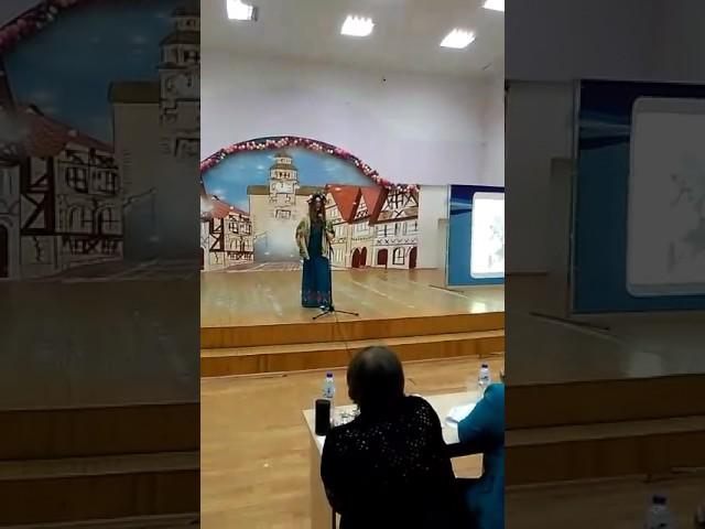 Изображение предпросмотра прочтения – ВикторияЗиновьева читает произведение «Россия» А.А.Блока