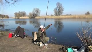 Рыбалка на реке весной Саша ловит подлещиков а я осваиваю болонку