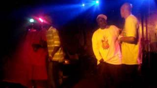"MzNLiNK an Meche_Onny Performin ""Stomp"" Live @ Dirty Jacks In Cincinnati"