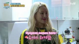 Eng Sub  Hyoyeon Met Foreign Friend  Fans  And Tried To Introduce Sang Ryul In
