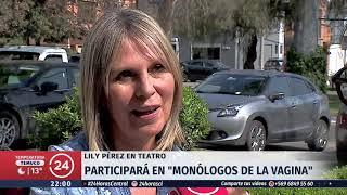 Lily Pérez llega al teatro para participar en el