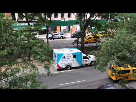 MOUNT SINAI EMS AMBULANCE USING HI/LO SIREN WHILE RESPONDING ON BROADWAY ON THE WEST SIDE OF NYC.