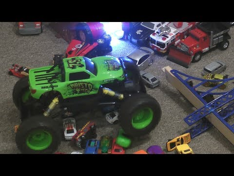 RC MONSTER TRUCK DEMOLITION Videos for KIDS! TOY CARS FUN!