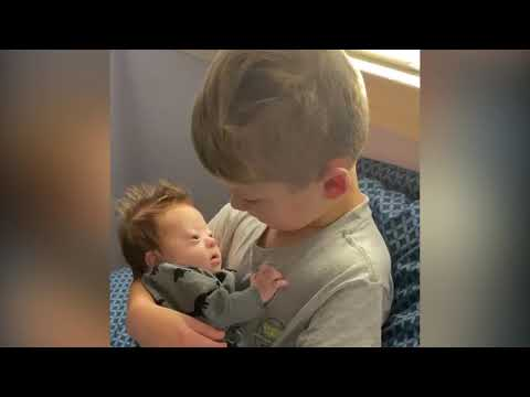 Otis - Adorable Boy Sings 10,000 Hours To His New Little Brother With Downs
