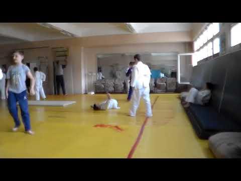 Judo MDA 1639 LTPS 2 Training Grupa 1 17 09 2012   YouTube