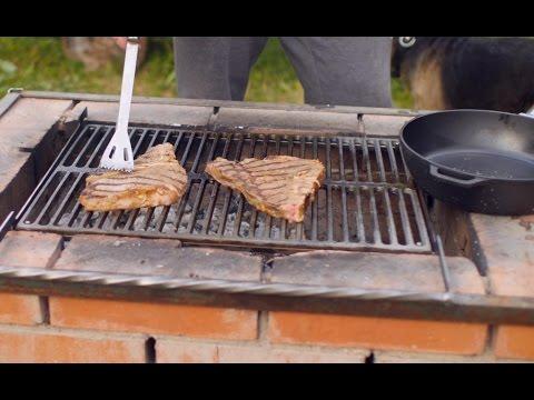 Как жарить стейк на углях