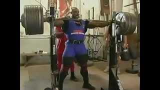 Ронни Колеман присядает с 365 кг на 2 раза avi