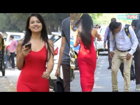 Hot Girl Open Pant Zip Prank - iDiOTUBE | Prank In India