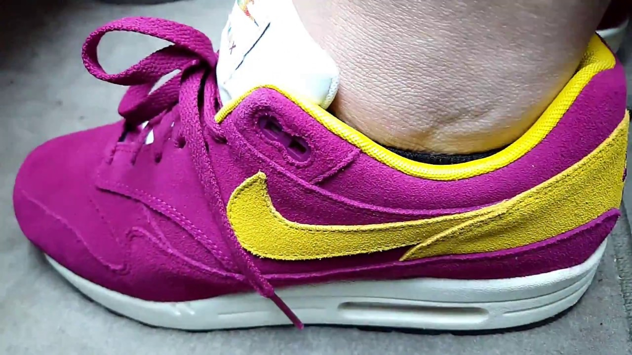 best service 33ff5 354e2 A Day In My Shoes  Nike Air Max 1 Dynamic Berry