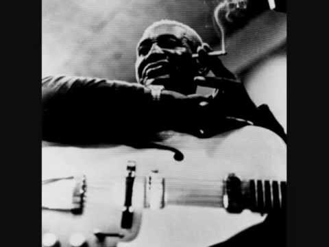 Arthur 'Big Boy' Crudup - My baby left me (1950)