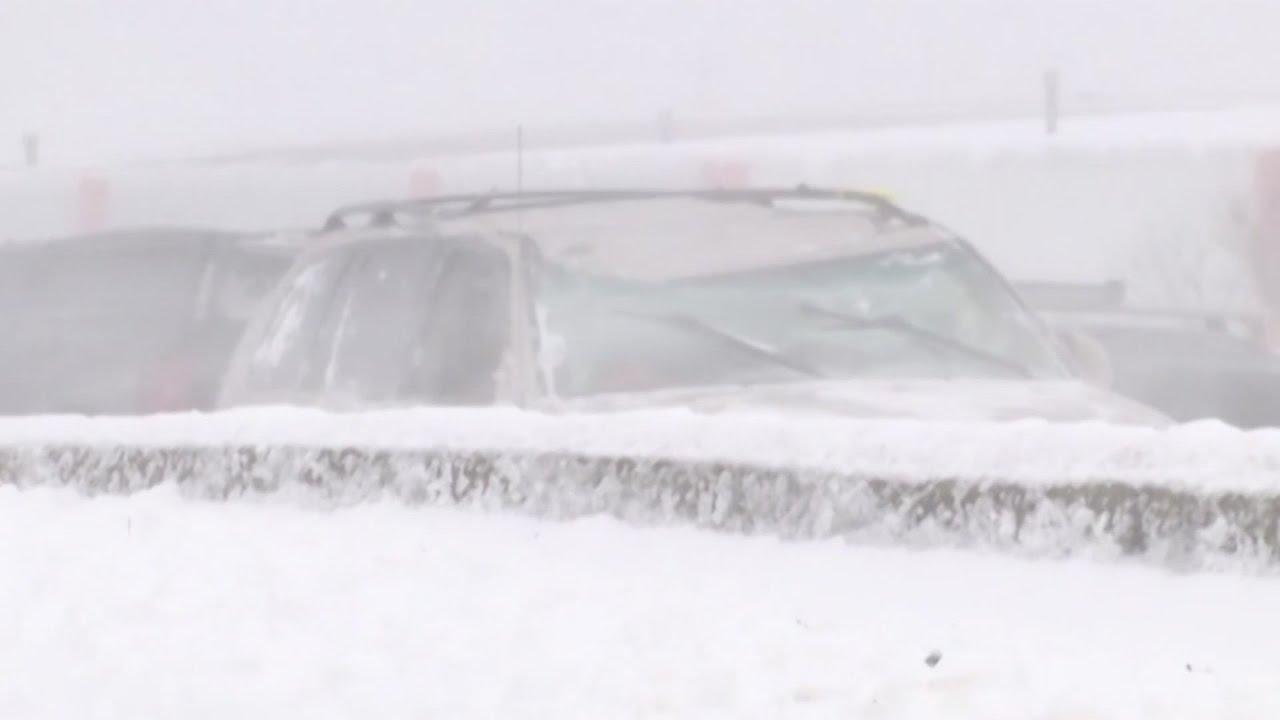 1 dead, dozens hurt in Wisconsin highway pileup