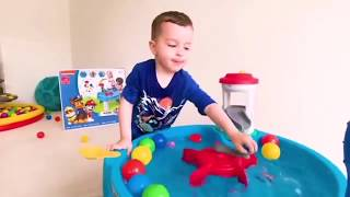 Unpacking the new Paw Patrol pool from Elias in Toys
