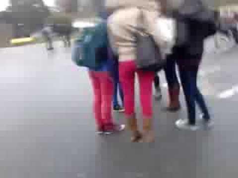 Jeune Fille Ronde Et Coquine De Paris