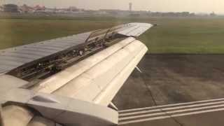 CLASSIC LANDING [HD] | Sriwijaya Air Boeing 737-300 in Soekarno Hatta Intl Airport