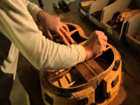 Como se hace guitarras alhambra espa a youtube for Guitarras de luthier