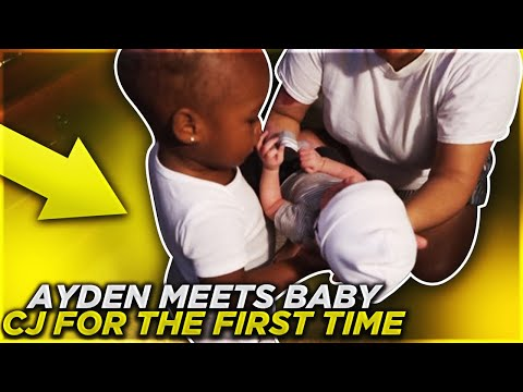 AYDEN MEETS HIS BROTHER FOR THE FIRST TIME!! PRICELESS