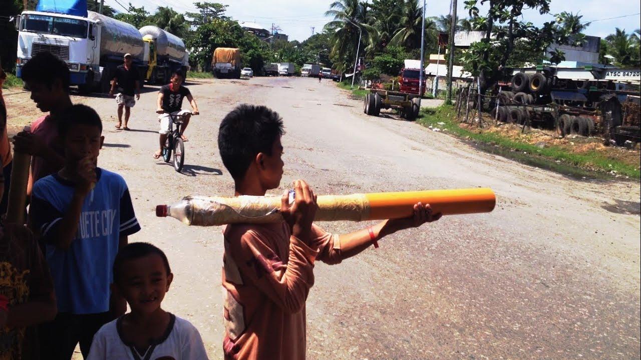 #75 Dzieci z Bazookami. Filipiny.