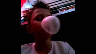 Biggest bubble gum bubble in the world