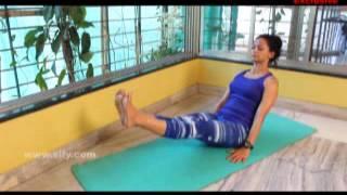 Yoga to imporve digestion: Paripurna Navasana (Boat Pose)